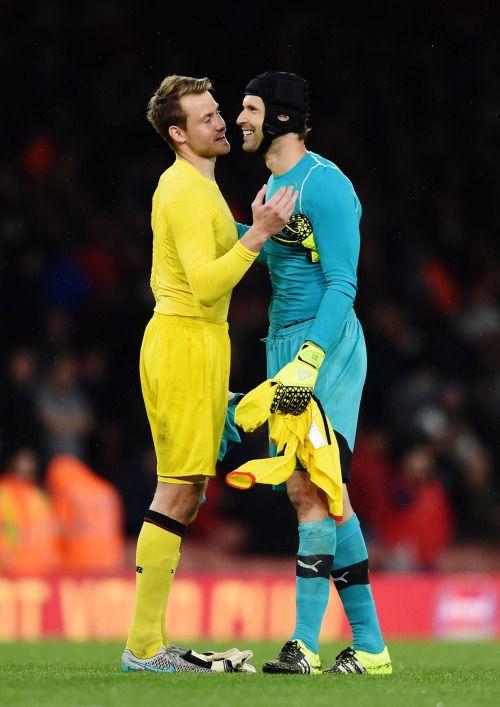 ¿No jodas Petr Čech, en serio? Te digo que sí, Simon Mignolet del Liverpool FC.