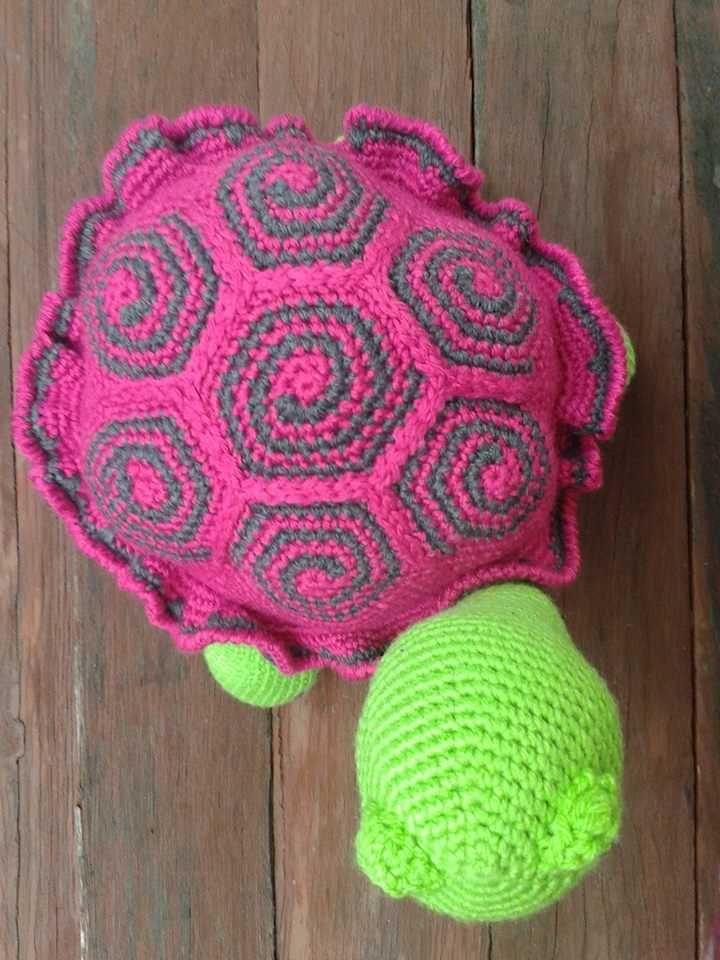 top-of-crochet-turtle.jpg 720×960 pixel
