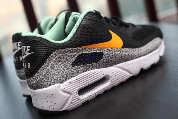 Nike-Air-Max-90-Ultra-Reflective-Safari-03