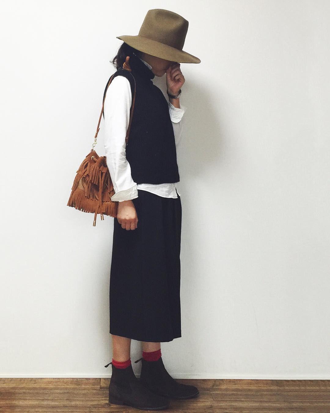 2015.10.20* . 帽子についてたリボン 外してみました♩ . スッキリしていい感じ(●´ڡ`●) はやく外せばよかったなぁ〜 . hat : #beautyandyouth shirt : #edifice best : #gu pants : #zara bag : #hashibami × #urbanresearch socks : #靴下屋 shoes : #KMB