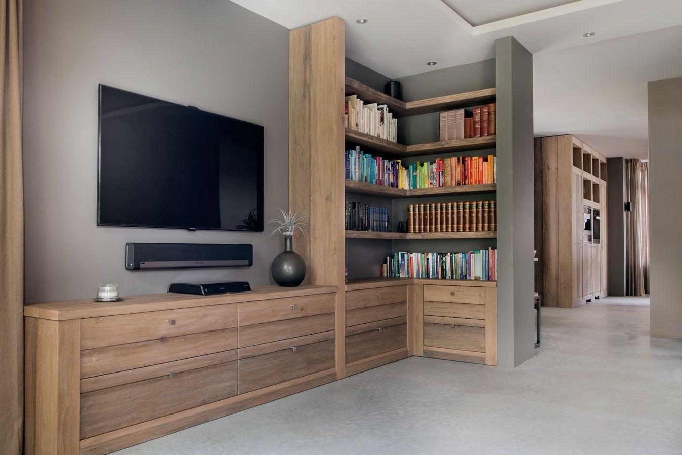 Betonnen aanrecht betonnen vloer en ruw houten meubels for Woning meubels