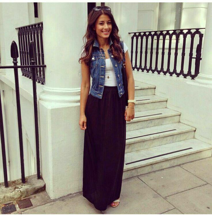 752e98143 Falda negra larga combinada con chaleco de lona.   Moda Femenina ...