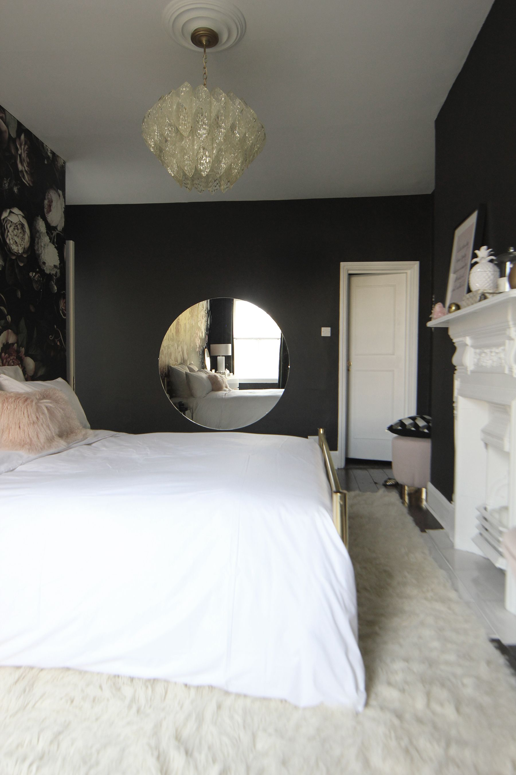 Before After A London Bedroom Gets A Dark Dramatic Floral