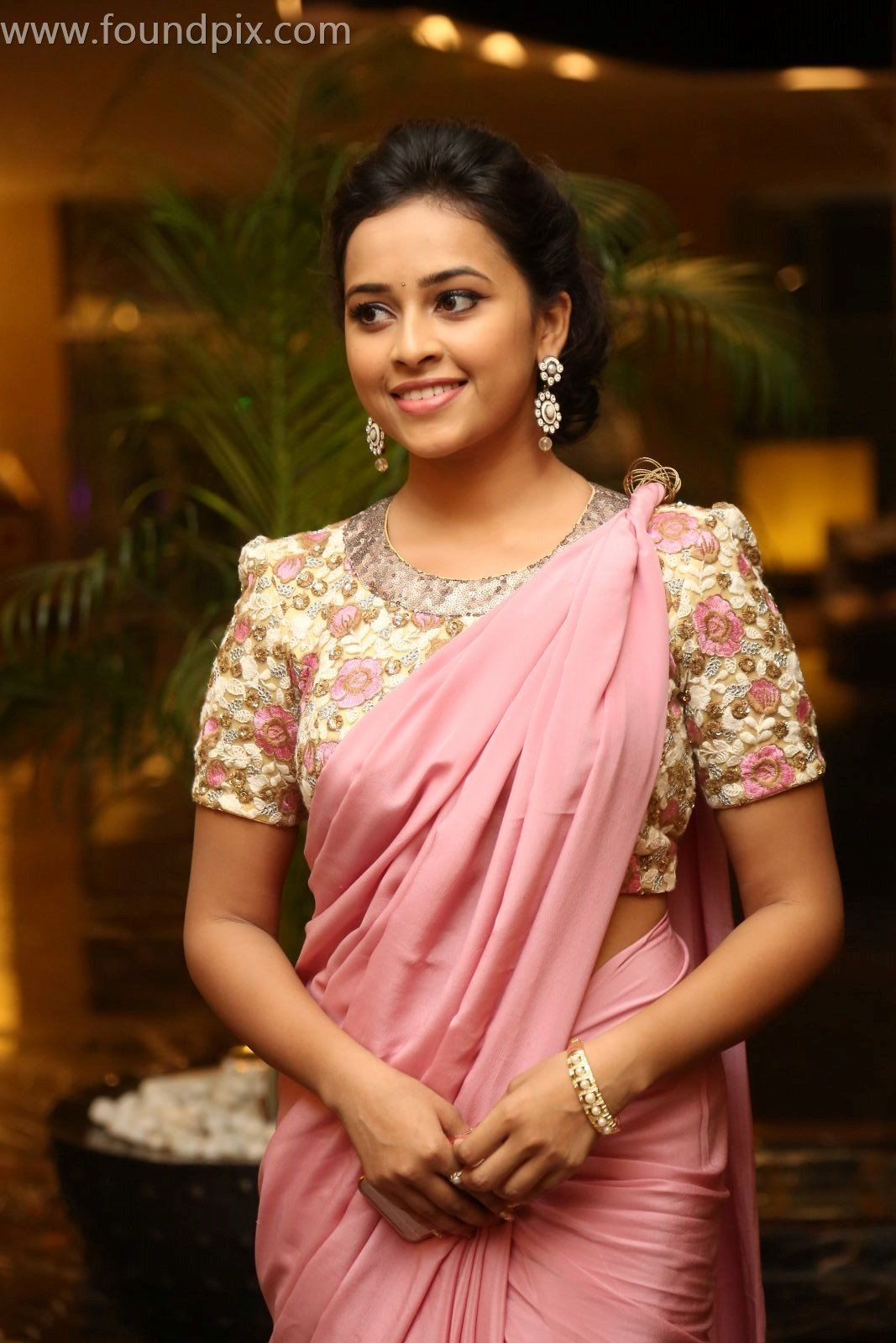 Actress Sri Divya Photos: Actress Sri Divya Latest Stills,Actress Sri Divya Hot