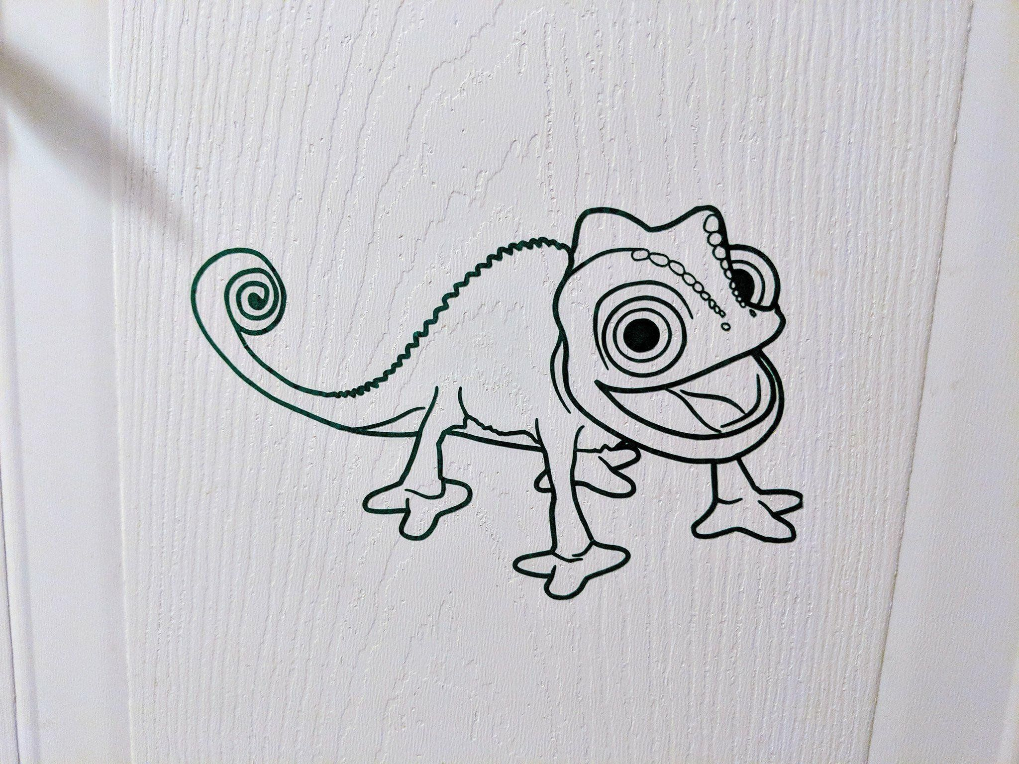 Rapunzel S Pascal Chameleon Vinyl Decal For Car Home Child S Room Yeti Laptop Tangled Drawing Disney Tattoos Rapunzel Drawing