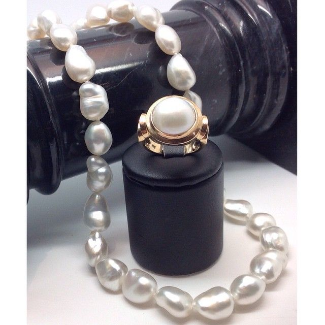 """""""Relaxed elegance. South Sea pearls and gold."""""""