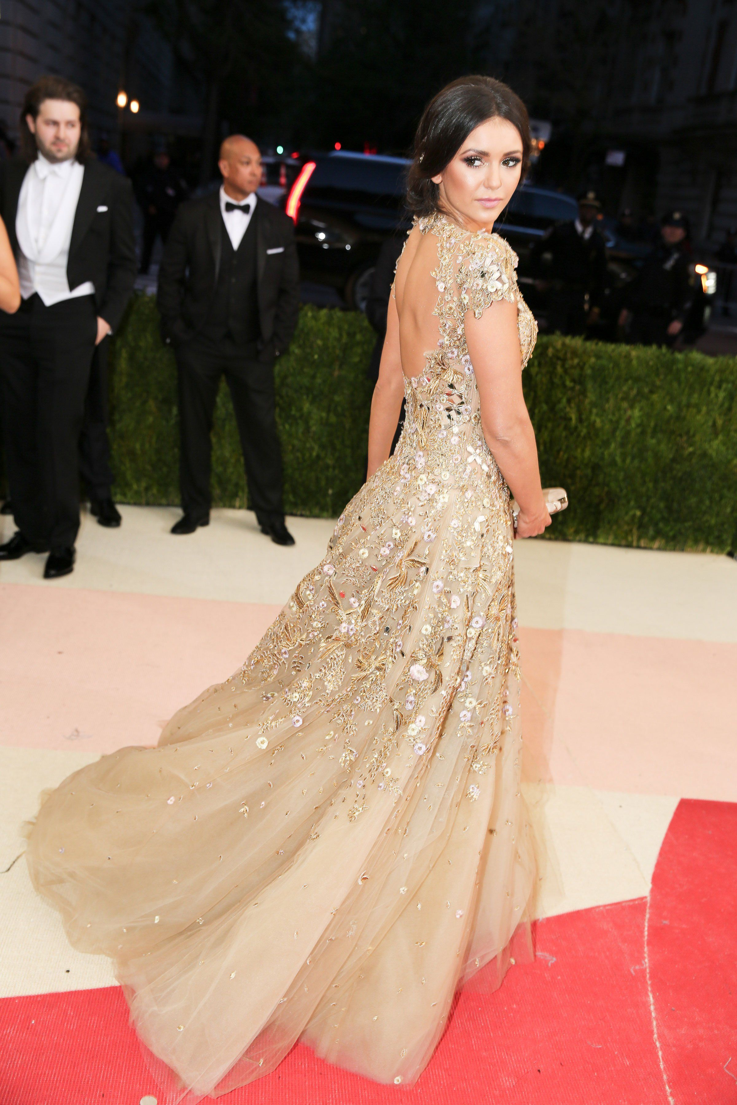 Vogue - Met Gala 2016: Fashion - Live from the Red Carpet - Nina Dobrev in Marchesa