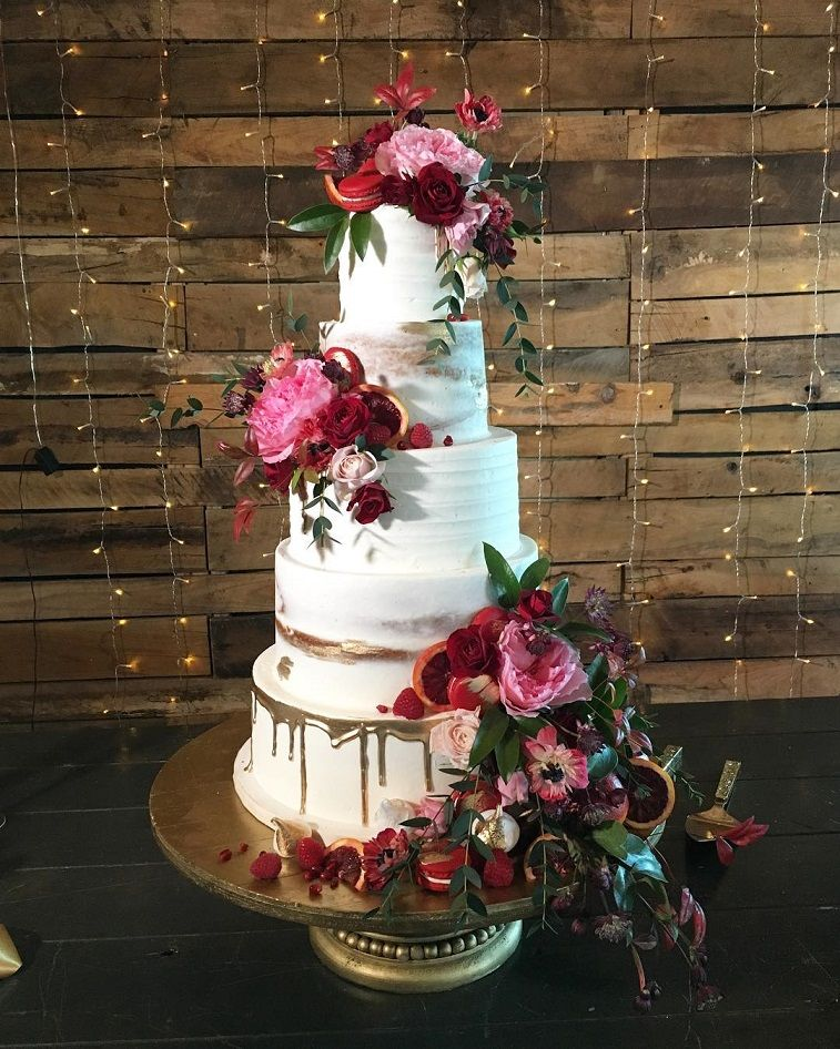 22 Beautiful wedding cakes to inspire you : Wedding cake with gold drips