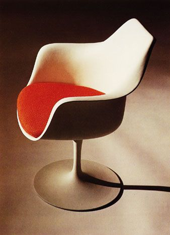 Tulip Chair By Eero Saarinen Beautiful And Comfortable! A Piece Of Art And  Functionality.