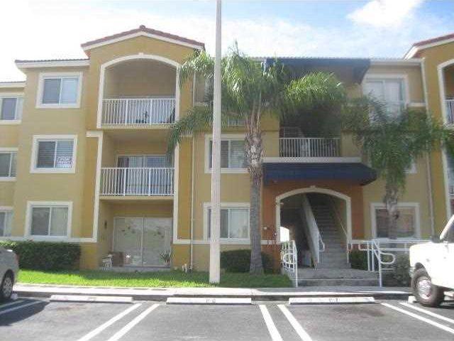 New listing! 21150 SW 87 Av Unit 302 Cutler Bay, Florida 33189 A2210217