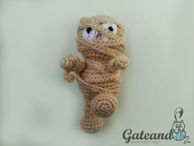 Halloween Amigurumi Crochet Pattern : Patrón gratis momia. gateando crochet: la momia!!! amigurumis y