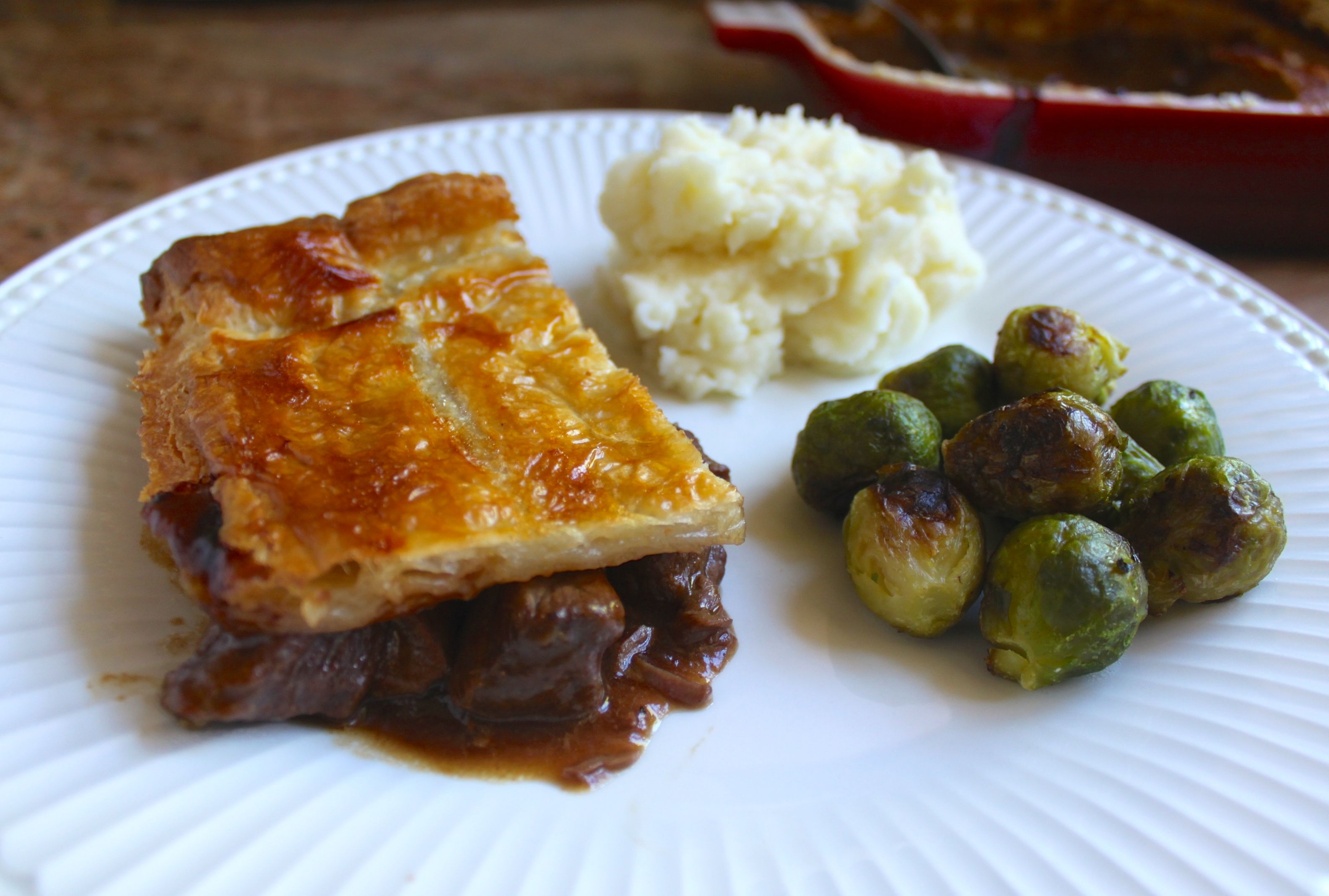 Steak Pie with Peas, Mashed Potatoes and Gravy | Steak pie ...
