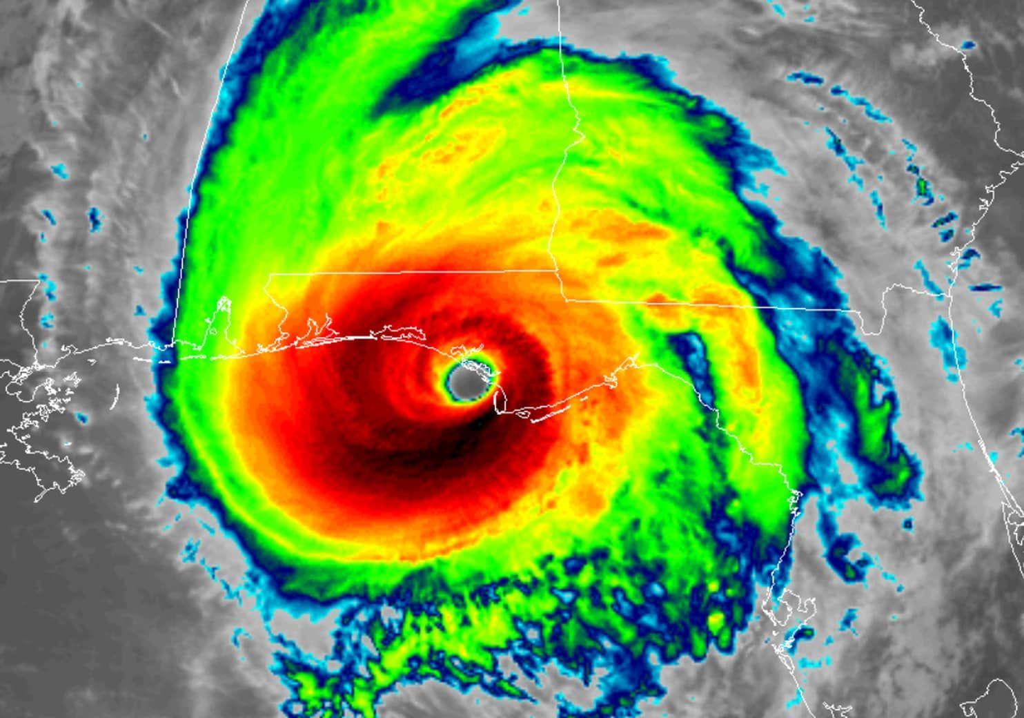 Found On Bing From Www Washingtonpost Com Hurricane Floyd Atlantic Hurricane Hurricane Season