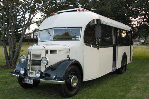 trop beau un bus bedford de 1949 am nag en camping car skurile wohnmobile und wohnwagen. Black Bedroom Furniture Sets. Home Design Ideas