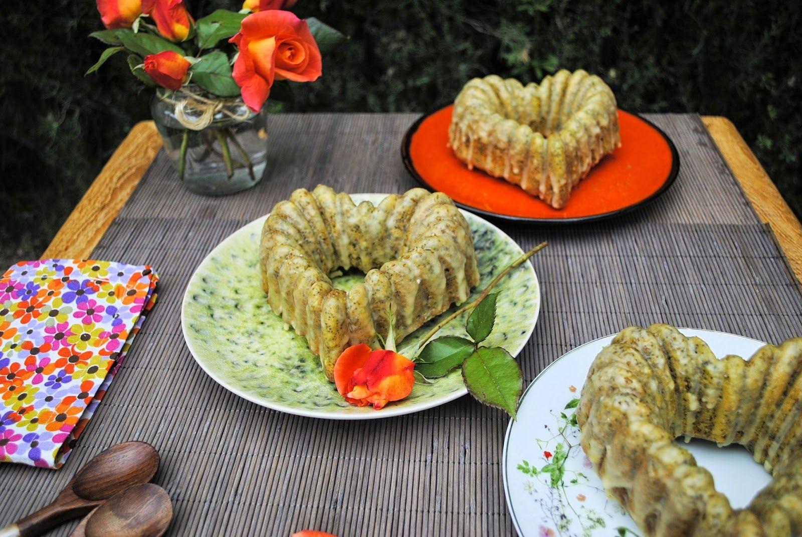 un pedacito de cielo: BUNDT CAKE DE MANDARINA Y SEMILLAS DE AMAPOLA CON GLASEADO DE COMINOS