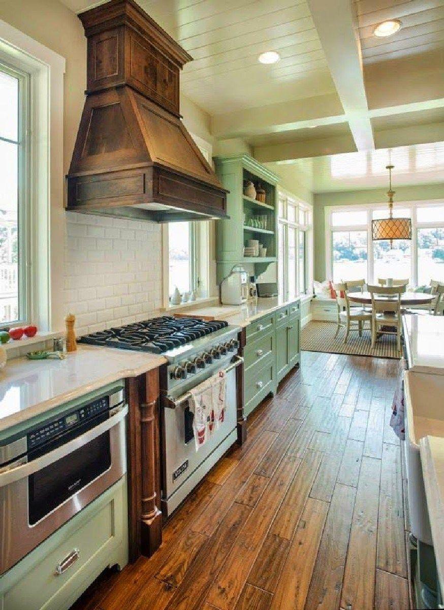 Best decorative kitchen wood range hood design ideas 32