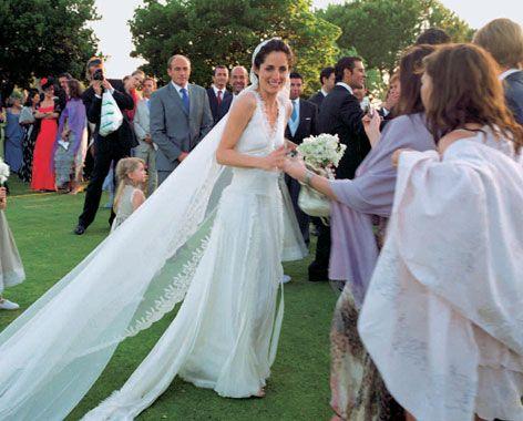 Carolina Herreras Most Iconic Brides