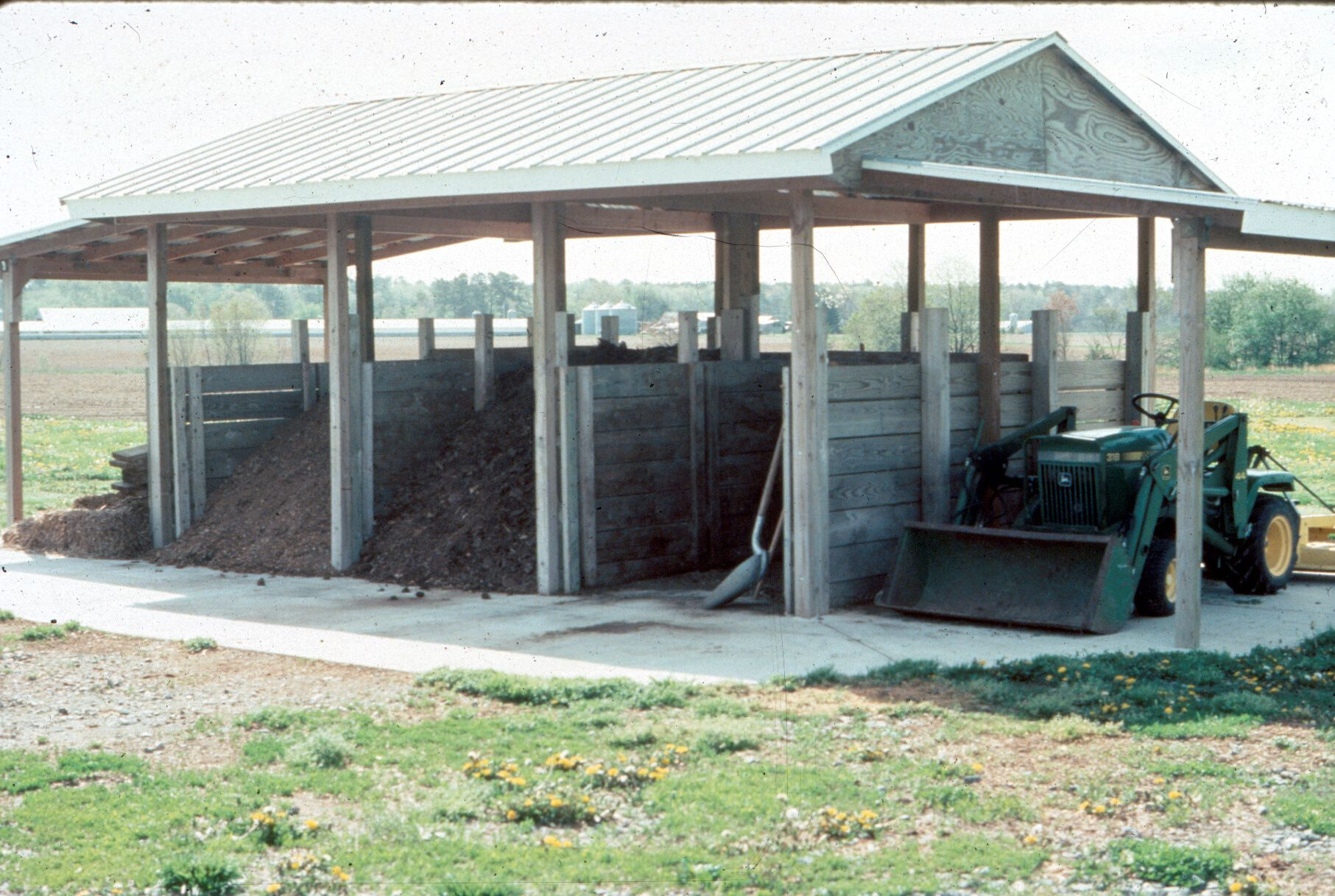 Commercial Poultry Composting Shed Pictures In Covered Bins