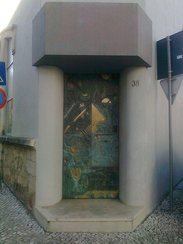 porta em Alcobaça,Portugal armazem das artes