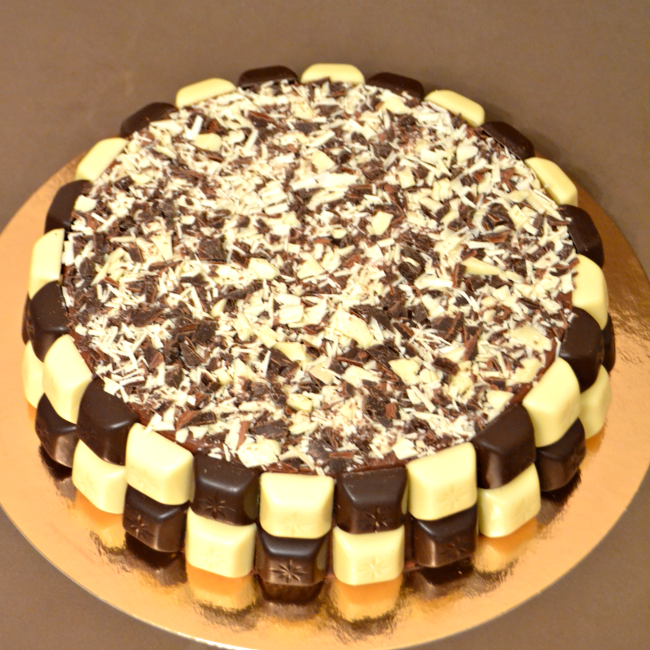 tarta-chocolate-blanco-y-negro