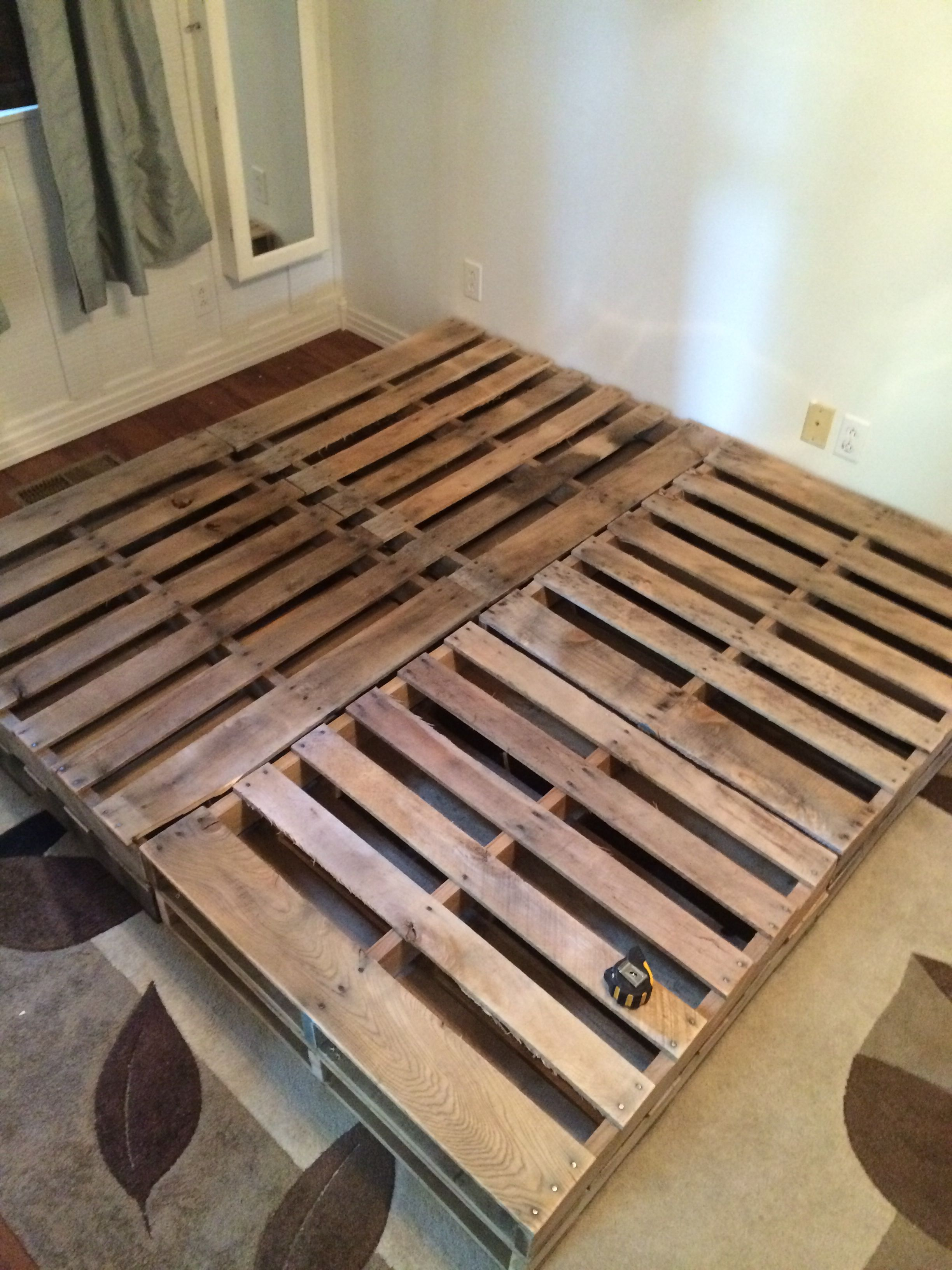 King Size pallet bed | Home | Pinterest | Diy palette