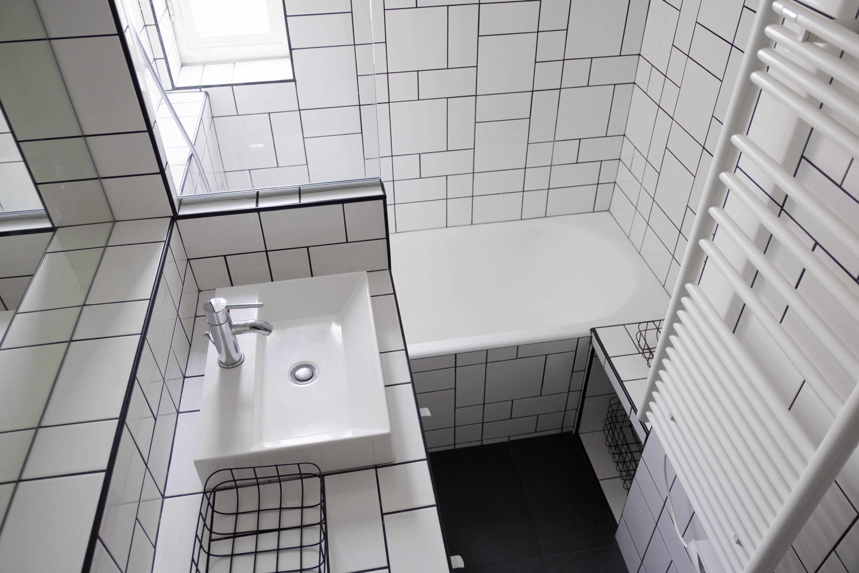 Carrelage Blanc Joint Noir l'atelier sora - paris 13 - 30m². salle de bain, carrelage