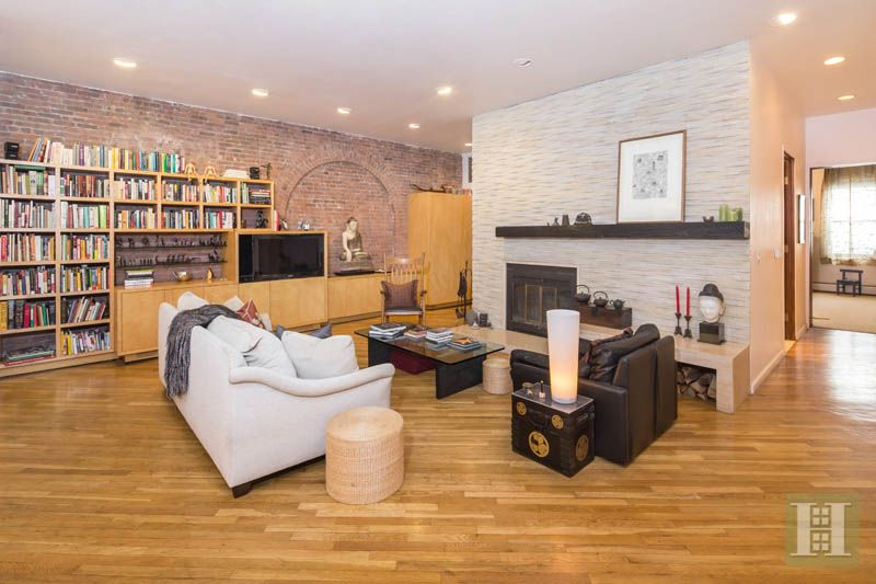 Full floor tribeca loft this classic 1 860sf full for Travertine eye drops