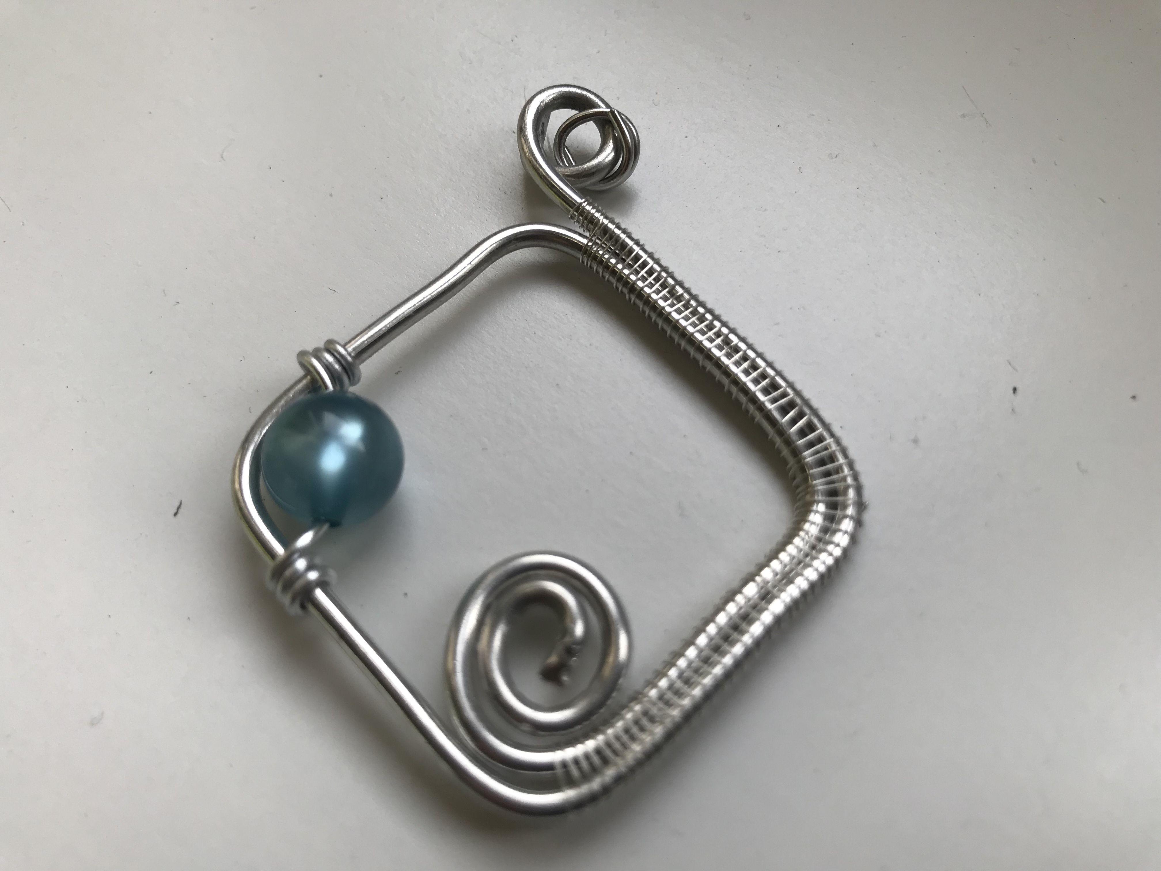 Pin by Rachel Stertz on Wire art Wire art, Belly button