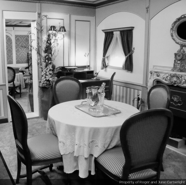 Titanic Bedroom Theme: First Class Suite On The Titanic. Would Have Loved To Have