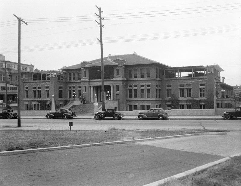 Exterior View Of Los Angeles County General Hospital Psychopathic Unit On May 5 1939 From Across The Str Los Angeles History La California Vintage California