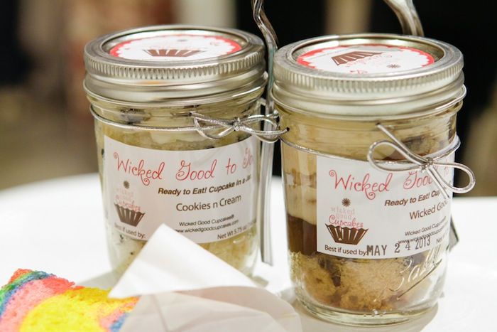 Cupcakes in a Jar. These are FAB.