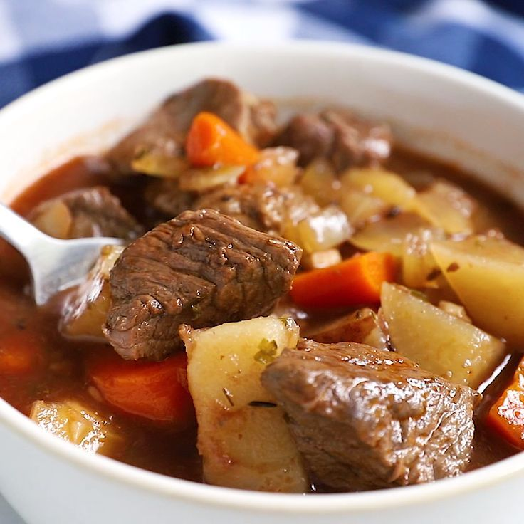 This Healthy Slow Cooker Beef Stew Recipe Is A Very Easy Crock Pot Stew With Potat Slow Cooker Beef Stew Healthy Beef Stew Crockpot Easy Slow Cooker Beef Stew