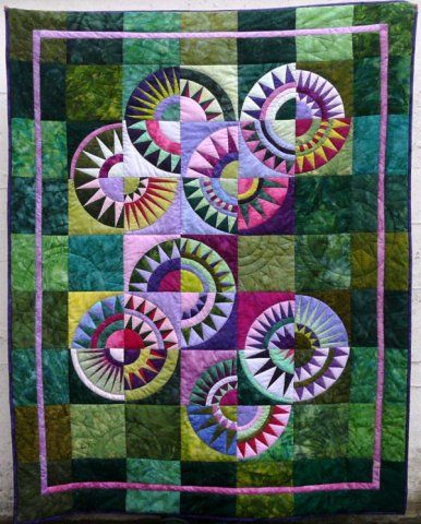 New York Beauty quilt by Doris Paetzmann. Free paper piecing ... : new york beauty quilt block pattern - Adamdwight.com