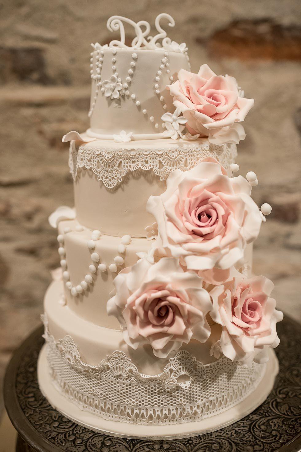 Eine Winterhochzeit zum Verlieben  Tortenliebe  Pinterest  Hochzeitstorte Torte hochzeit und