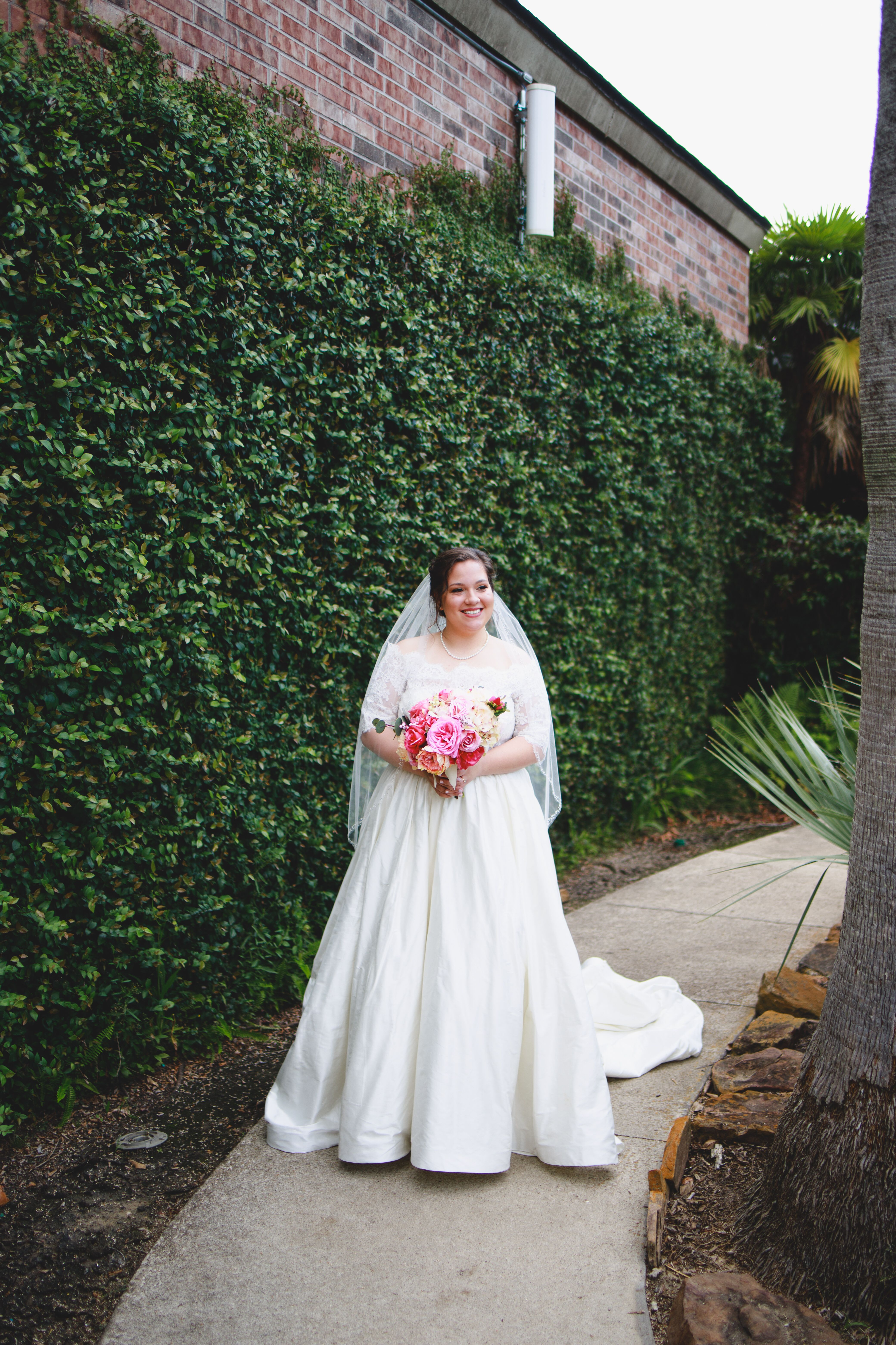 Our Real Bride Emily Looked Absolutely Stunning In Her Justin