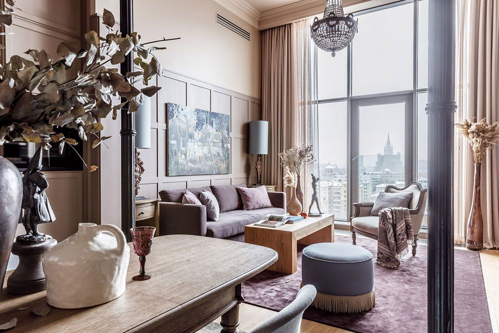 Beautiful Apartment With High Ceilings Near Triumph Square In