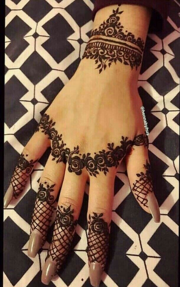 Pin By Evelyn Rodriguez On Henna Tattoos Stylish Mehndi Designs
