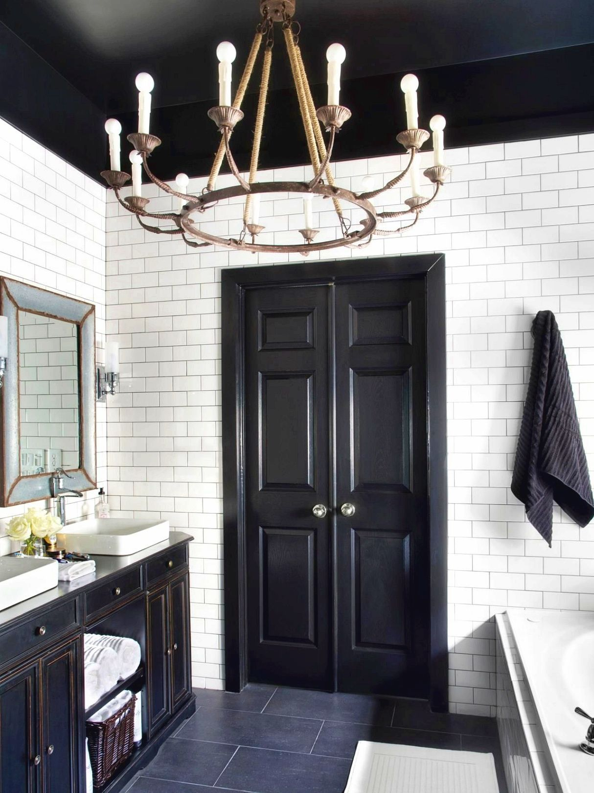 How Much Does It Cost To Remodel A Bathroom Timeless Bathroom White Master Bathroom Black White Master Bathroom
