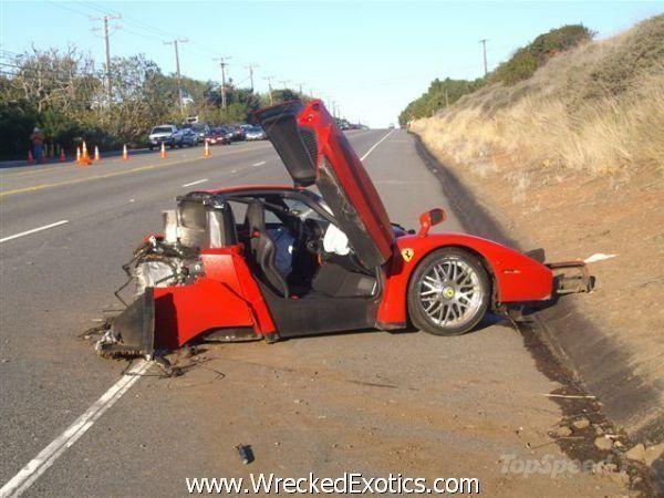 top 10 worst supercars crashes news voitures de sport. Black Bedroom Furniture Sets. Home Design Ideas