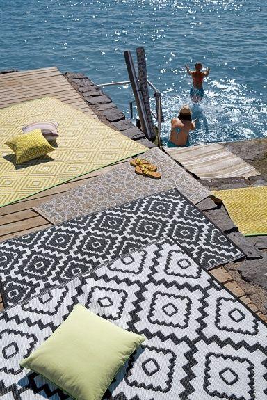 outdoor teppiche f r balkon und garten honey von pappelina teppich f r balkon outdoor. Black Bedroom Furniture Sets. Home Design Ideas