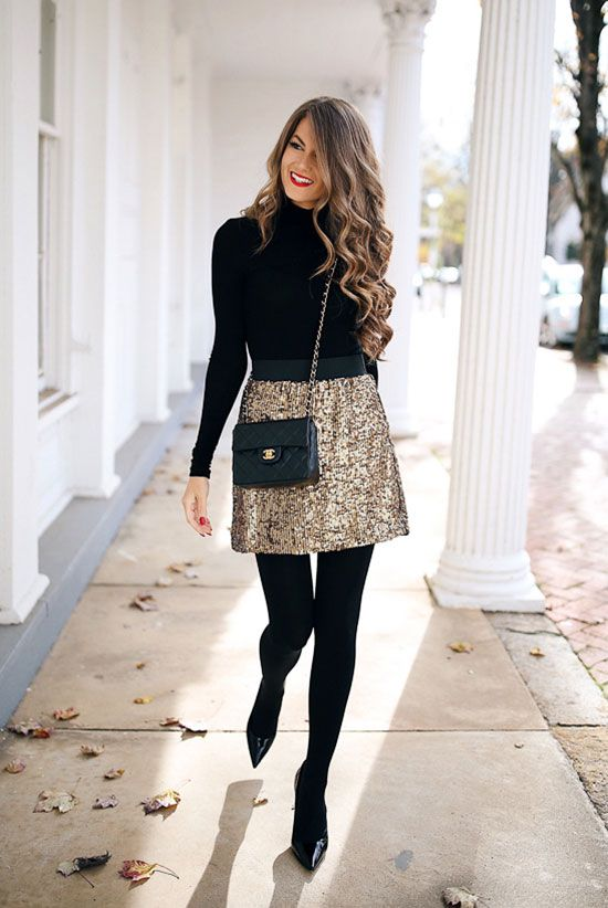 25 Holiday Outfits For Every Girl's Style #womenschristmasoutfits