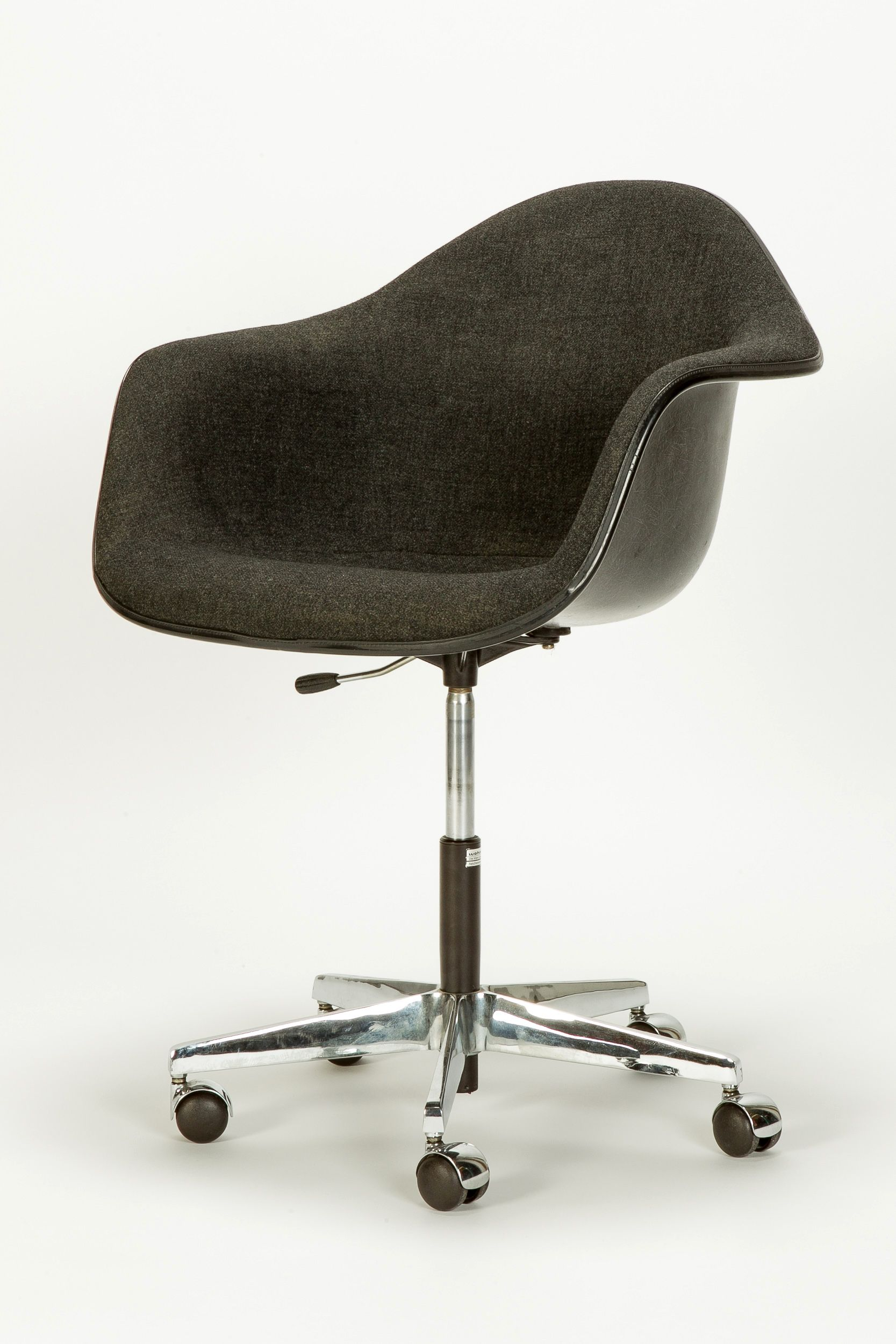 Eames Office Chair PACC - Okay Art  Eames office chair, Office