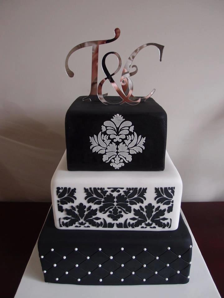 Pin Von Cortina Bandur Auf Schwarze Torte In 2018 Pinterest Cake