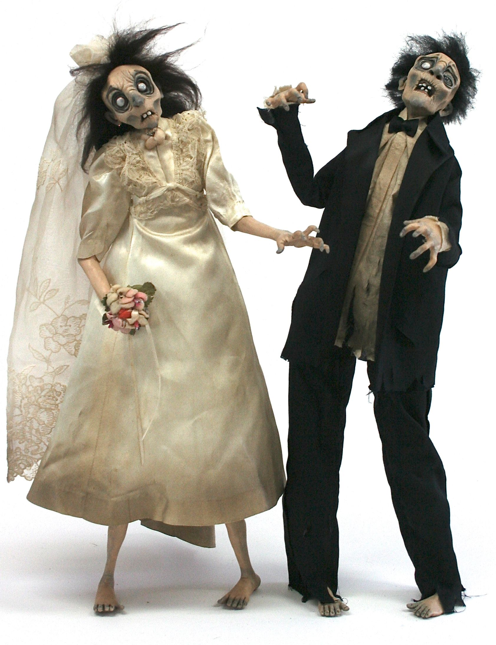 Consider Your Halloween Wedding Cake Toppers Found!