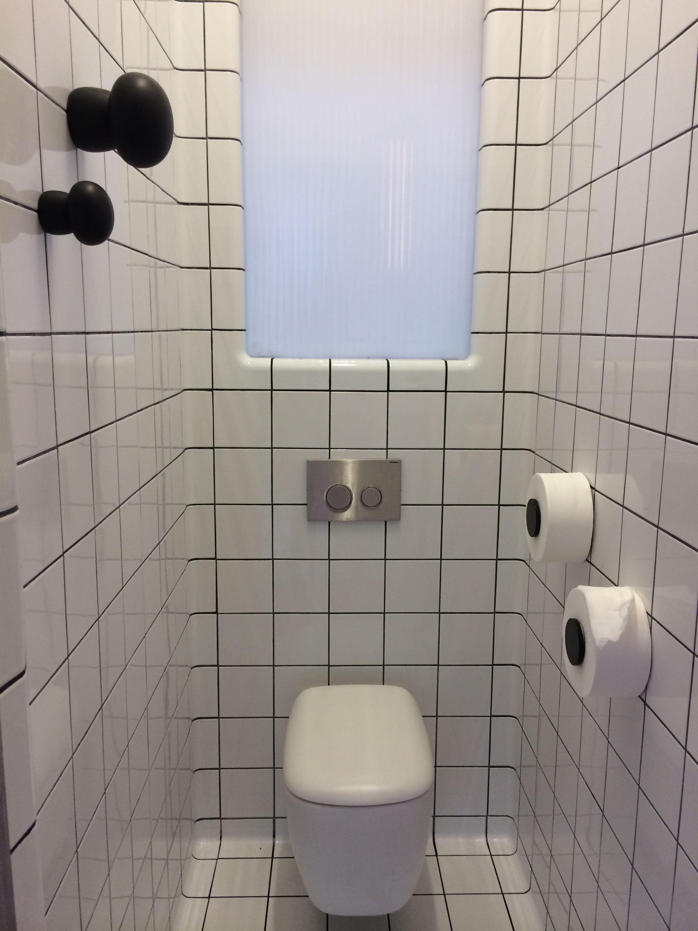 tokyo eat r novation des wc carrelage dtile en association avec l 39 architecte stephan. Black Bedroom Furniture Sets. Home Design Ideas