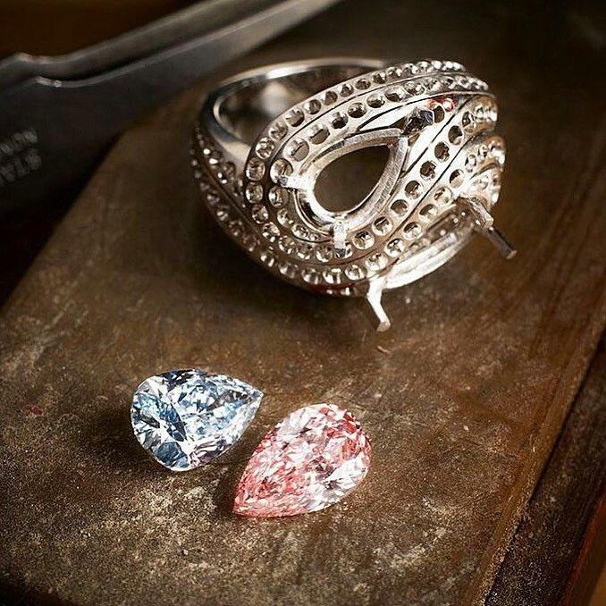 Cartier Infinite Motion Ring From Resonances Collection Stones 2 18 Carat Fancy Intense Pink Diamond And One 2 03 Carat Fancy Intense Blue Diamond