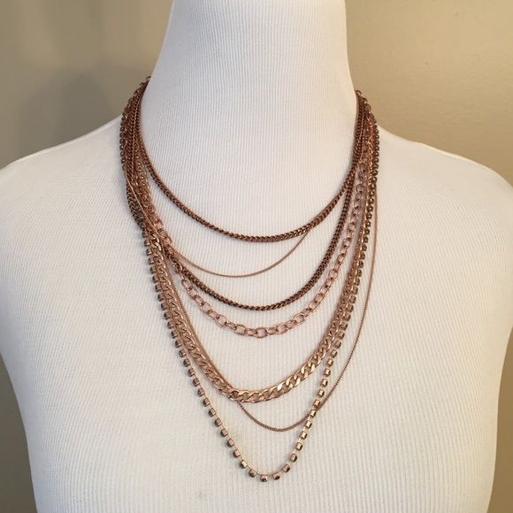 Stella & Dot Necklace Stella & Dot Necklace one stone missing. Stella & Dot Jewelry Necklaces