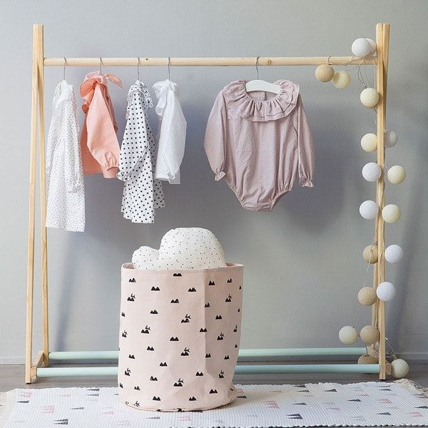 Dormitorios infantiles con estilo decoraci n infantil - Perchero pared infantil ...