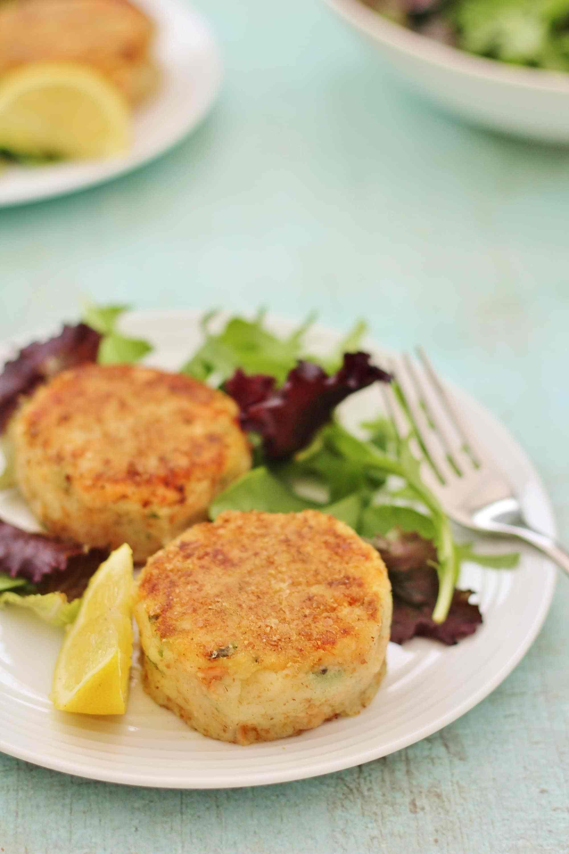 Easy Salmon Fishcakes Recipe Salmon Fishcakes Salmon Fishcake Recipes Salmon Fish Cakes