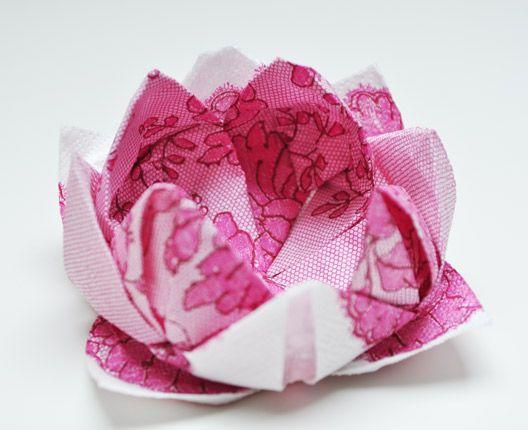 Wonderbaar Bloemen vouwen van papieren servetten (met afbeeldingen SW-31